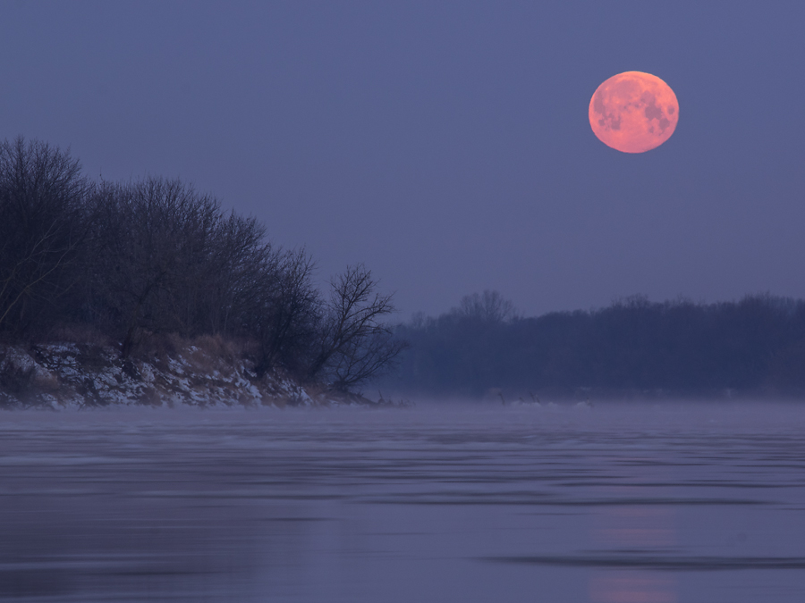 Zachód Księżyca.